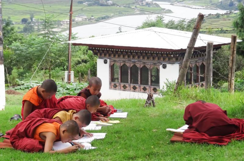 Bhutan Mönche, Neulinge Bhuddismus