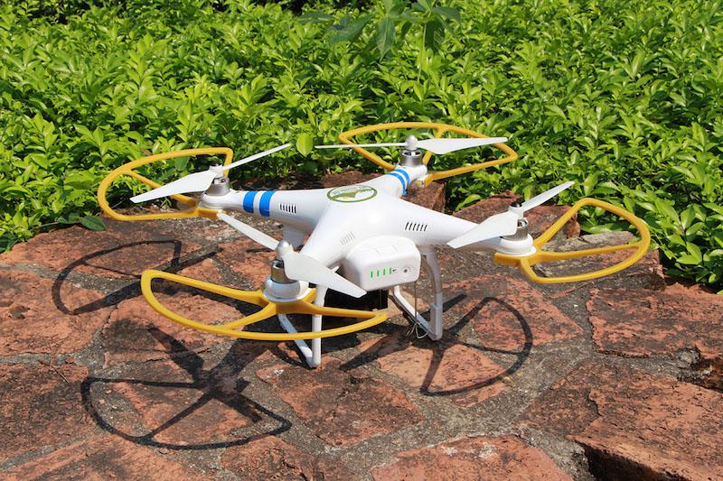Drohne, Quadrocopter, Kopter-mit-Propellerschutz