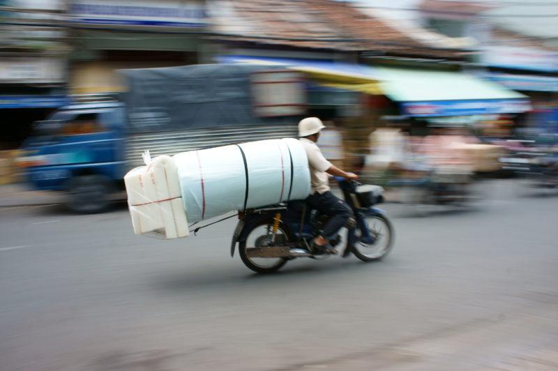 Schwerbeladener Motorroller