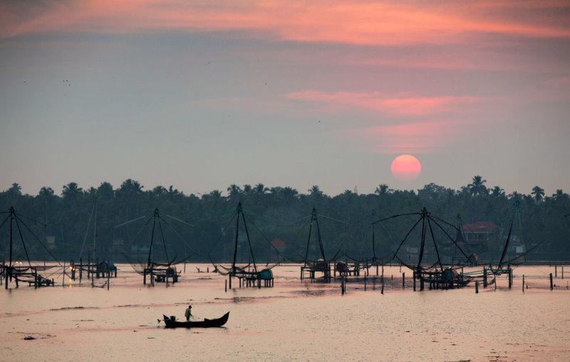 Sonnenuntergang mit Blick auf die traditionelle Fischerei