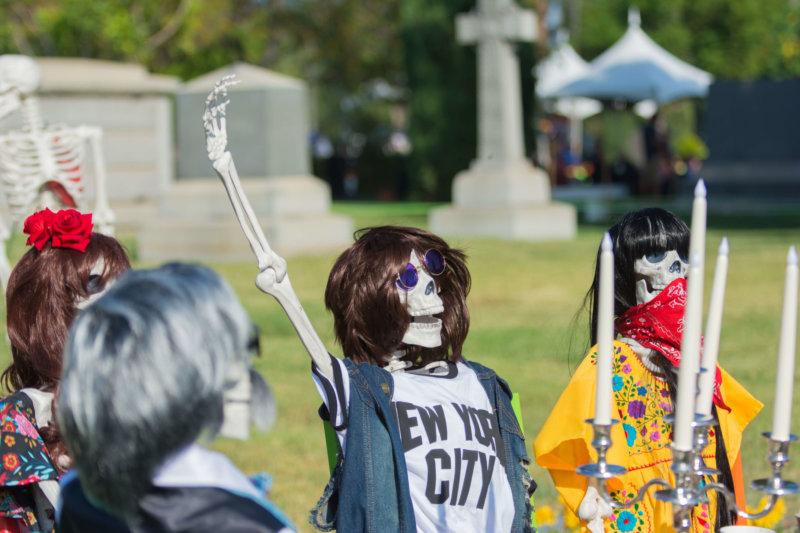 Día de los Muertos – Bekleidetes Skelett