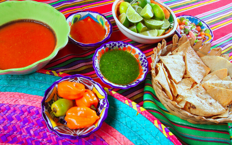 Mexikanisches Essen, bunt und feurig