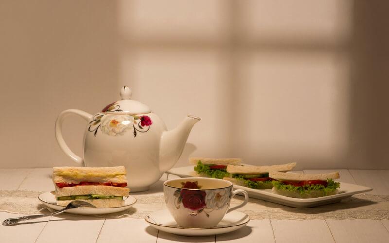 Sandwiches und Tee