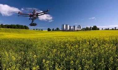 Drohne, Multicopter, Quadrocopter, unbemanntes Flugobjekt