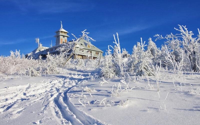 Schneezauber auf dem Fichtelberg im Erzgebirge