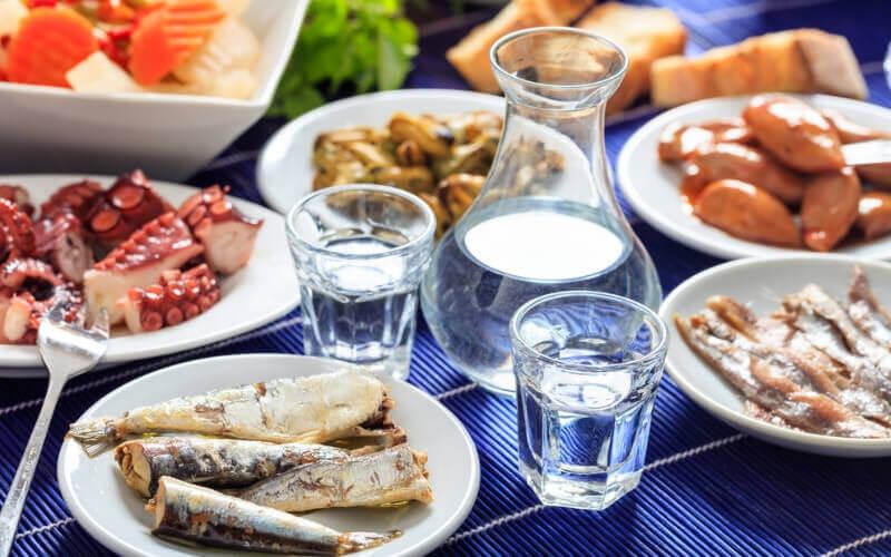 Griechische Küche: Ouzo und Vorspeisen