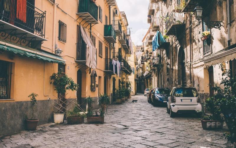 Strassenbild in Palermo, Sizilien
