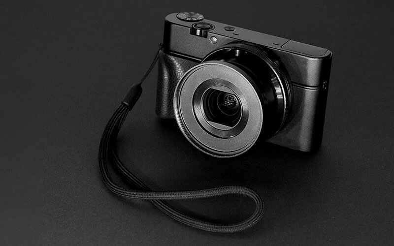 Kompaktkamera – Photo by Dennis Klein on Unsplash