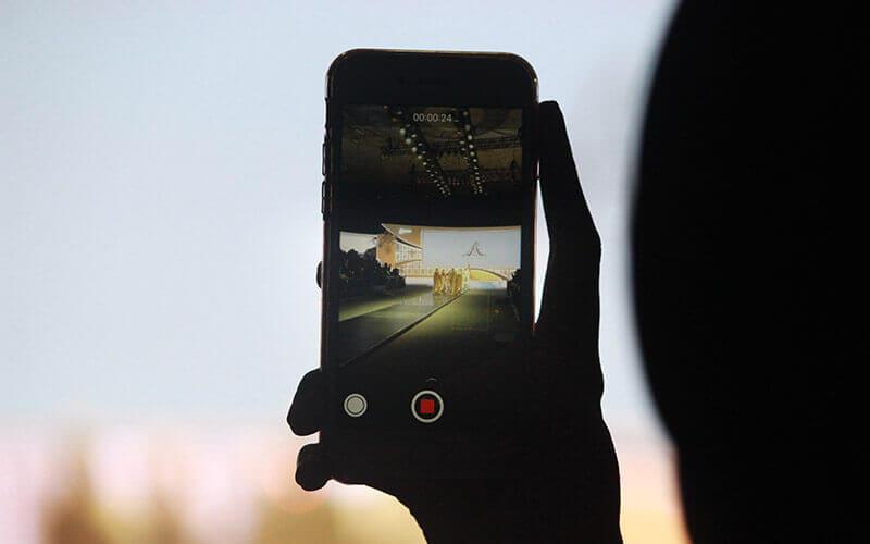 Smartphone hochkant im Videomodus