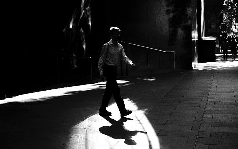 Mann in schwarzweiß, Silhoutte