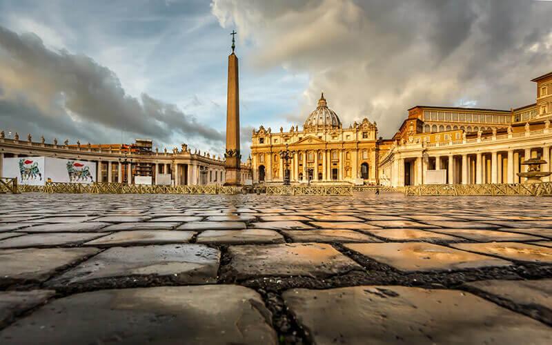 Zwischen Tourismus, Glaube und Skandalen: Ein Besuch im Vatikan